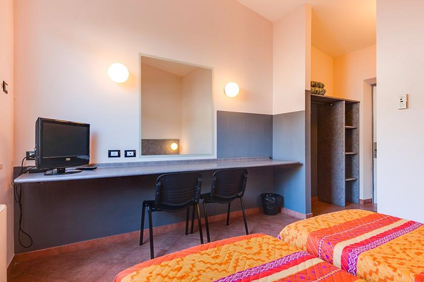 autohotel roma interno camera doppia letti singoli