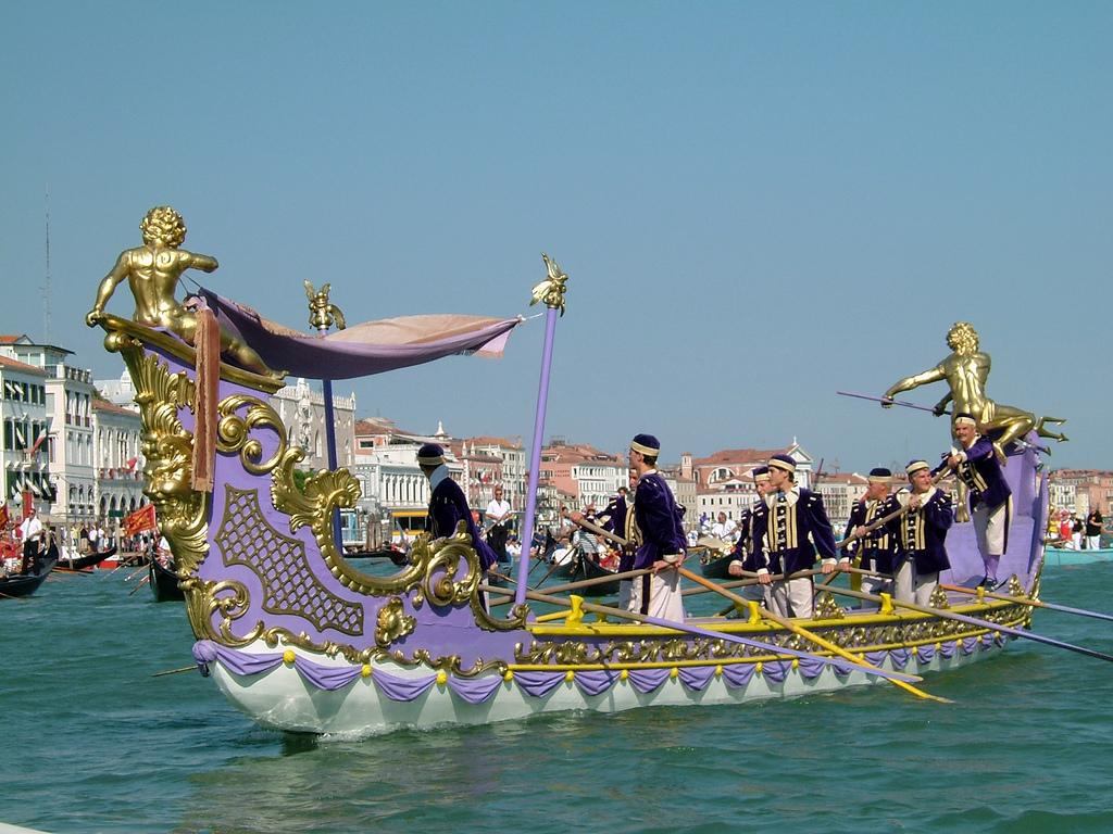 Venezia, tutto pronto per la Regata Storica 2014 - Autohotel