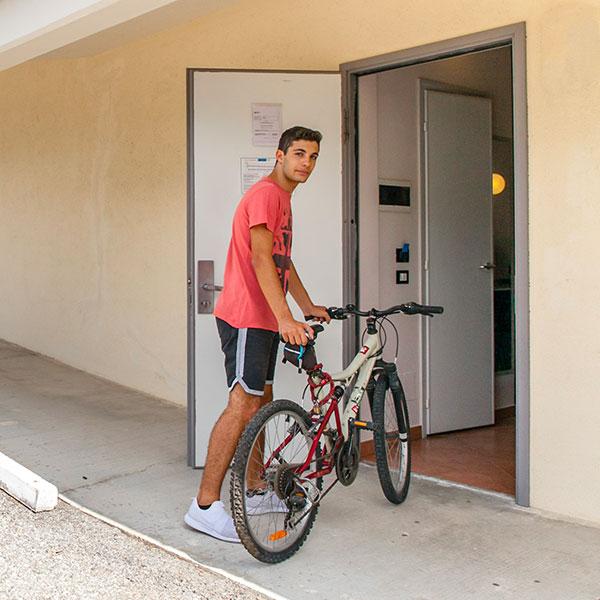 Autohotel consente di parcheggiare la bicicletta in camera